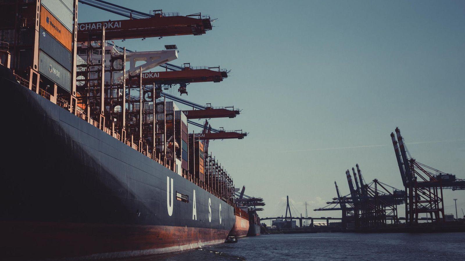 El Puerto de Rotterdam ha iniciado su transición energética para reducir el uso de combustibles fósiles. [Imagen de Sascha Hormel]