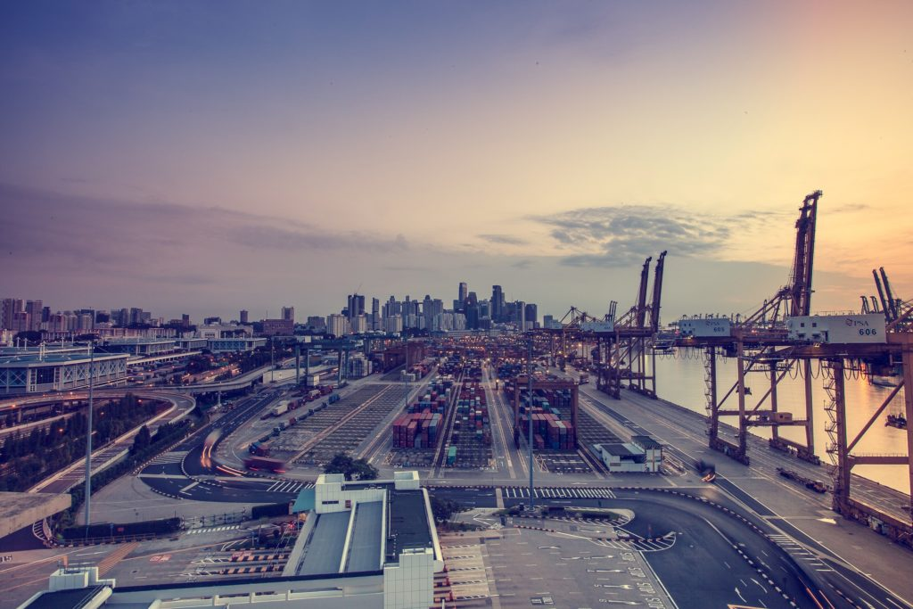 This initiative aims to introduce technology like the Internet of Things, big data, robotisation and artificial intelligence into logistics processes. [Image of Pexels]