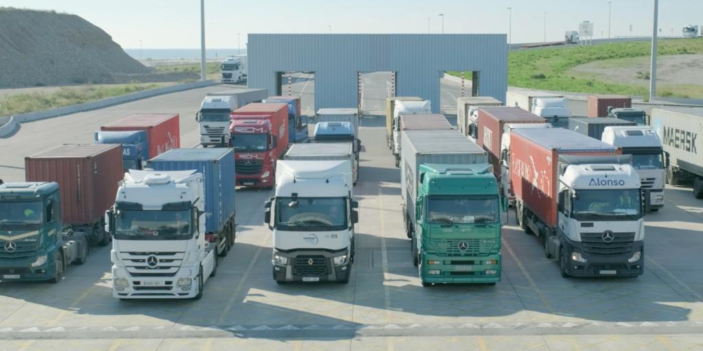 En el Port de Barcelona se tramita de forma telemática el 100 % de la documentación para la entrada o salida de un contenedor.