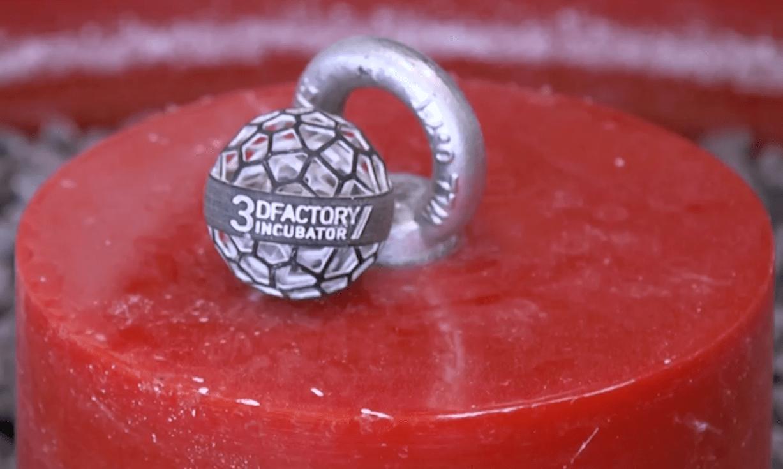 Pieza final hecha a partir de polvos y calor en una de las impresoras del 3DFactory Incubator. [Imagen PierNext]