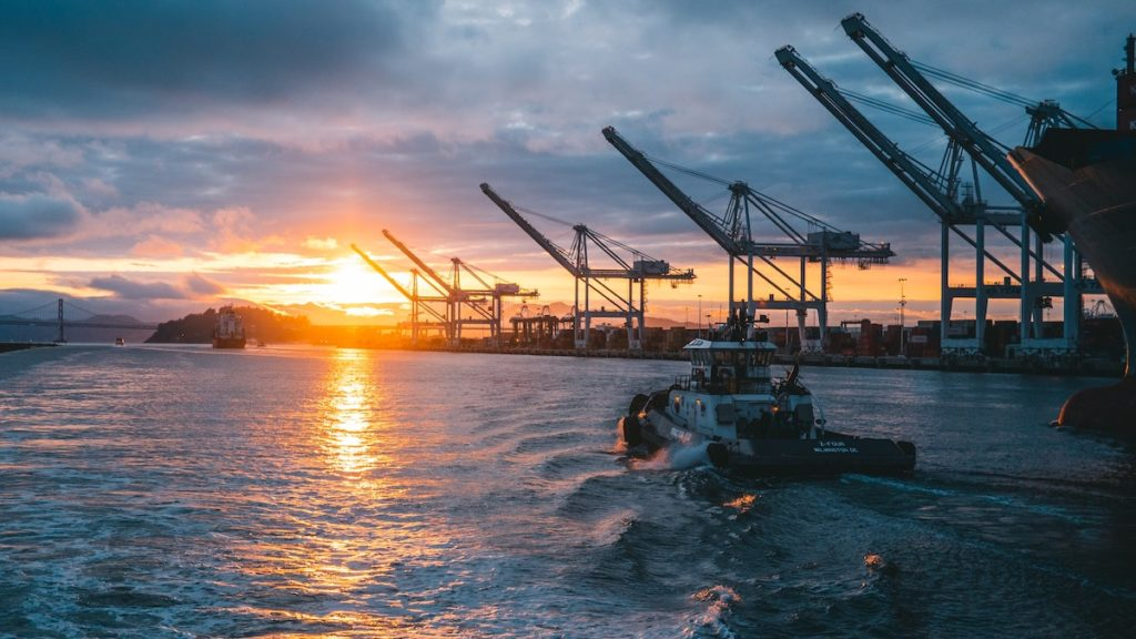 El transport marítim de passatgers i mercaderies és un dels àmbits més afectats per les disrupcions que està causant el coronavirus a l'economia mundial. (Imatge de Ronan Furuta)