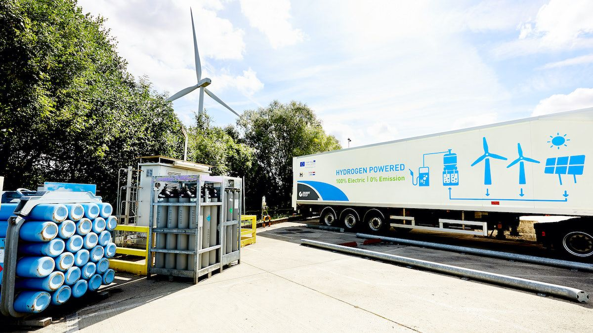 In the future, one of the main uses of hydrogen will be transportation. (EC - Audiovisual Service)