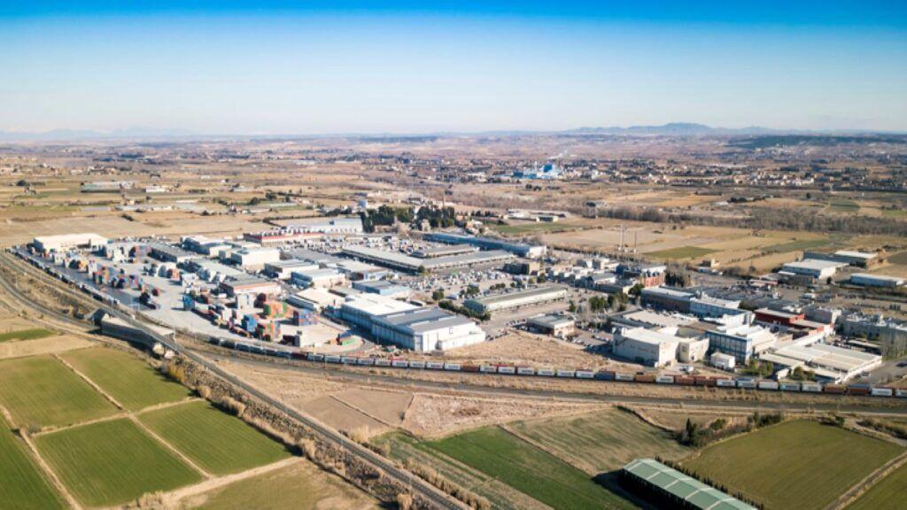 Hoy, tmZ se ha convertido en la principal terminal ferroportuaria de España. (tmZ)